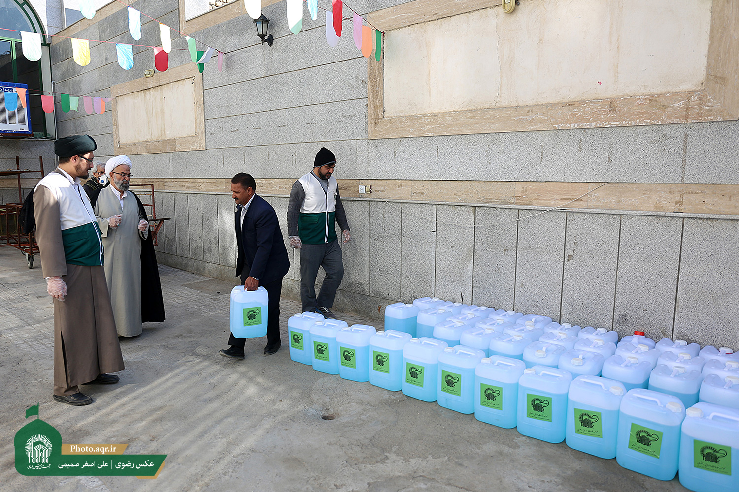 AQR distributes 2k disinfecting packages in Mashhad