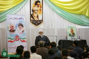 Islamic Revolution hoists flag of spirituality, challenges West's philosophy